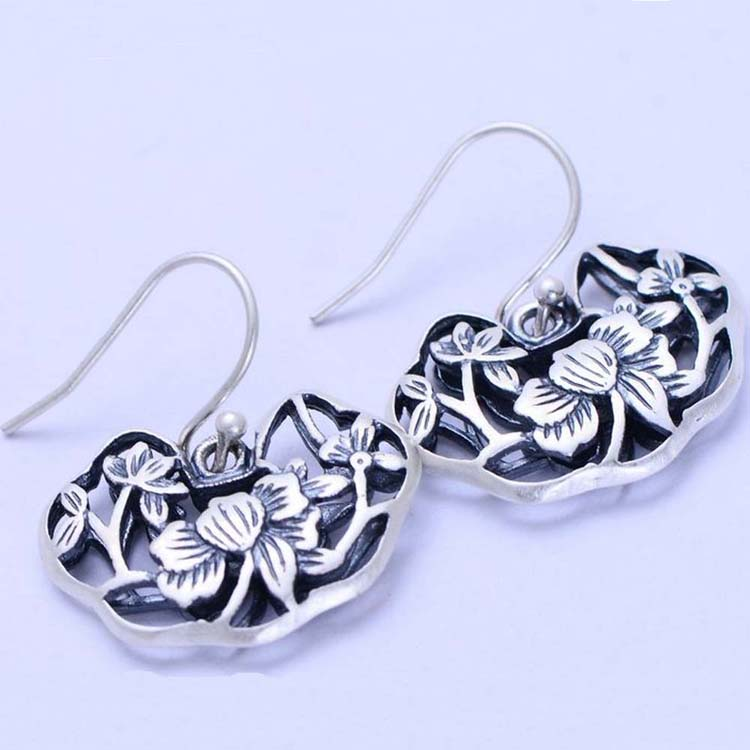 [CN] Sterling Silver 925 Engraved Flowers Dangle Earring (XH042982W)